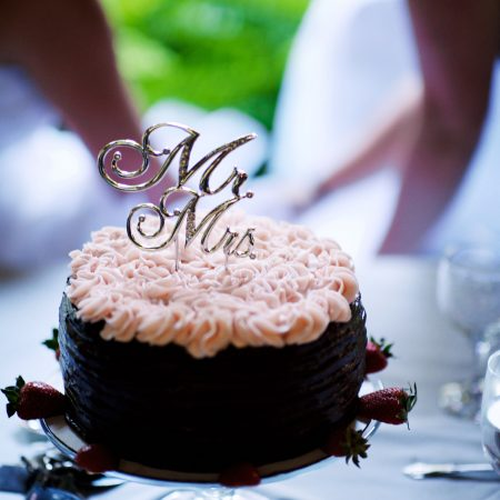 Mr and Mrs Wedding Cake